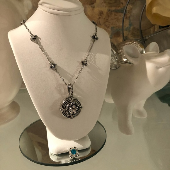 Crystal Angels Jewelry Jewelry - Silver flower interchangeable snap necklace